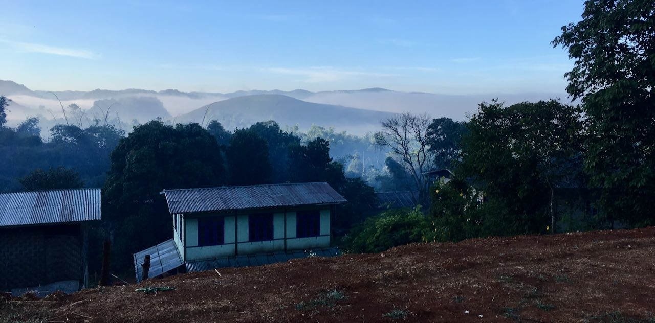 Hiking to Inle Lake – day two