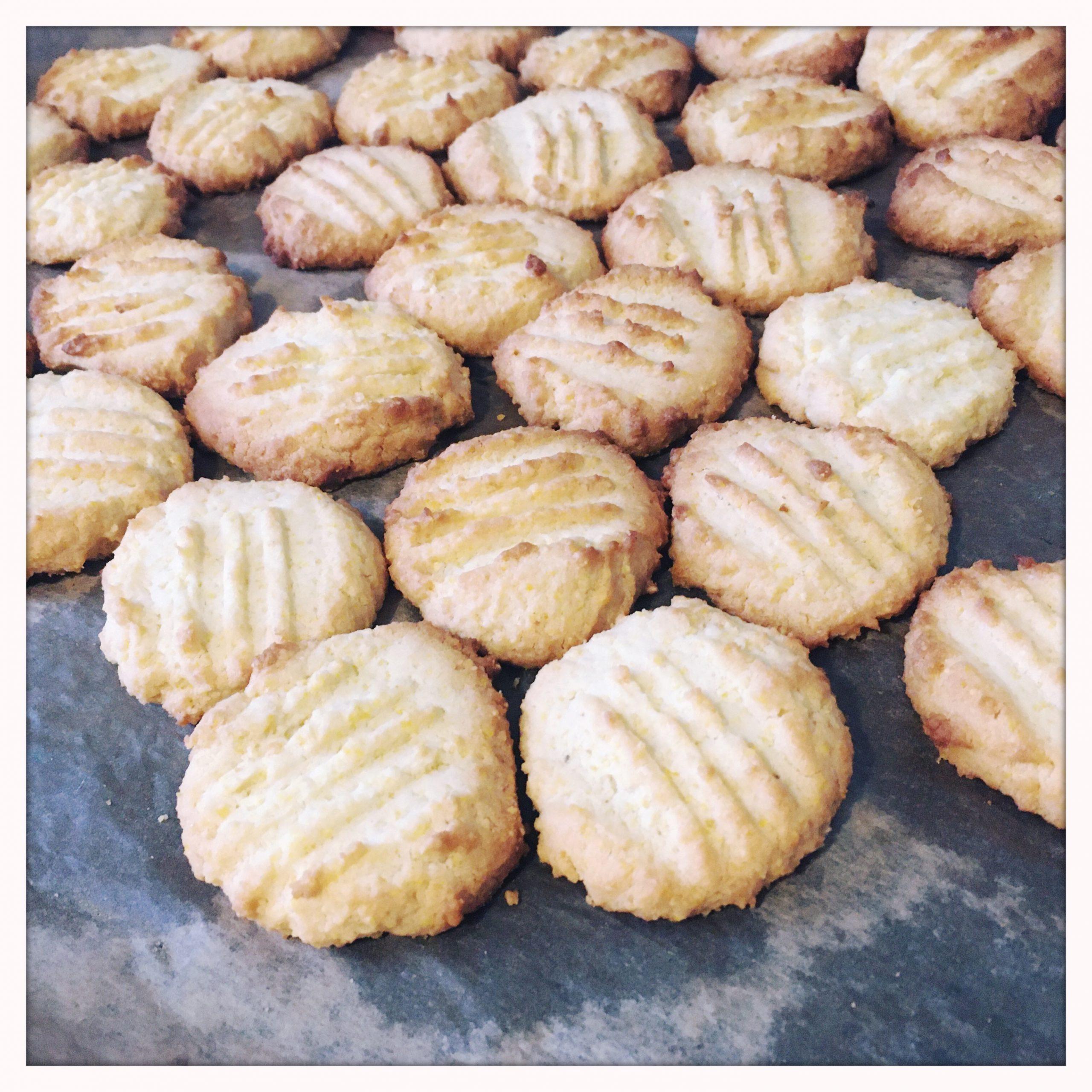 Comfort food – lemon polenta and almond bisuits